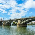 7 Curiosidades del Puente de Triana que no todo el mundo conoce